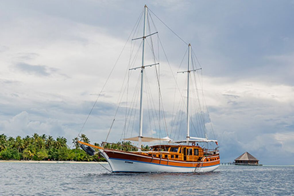 Yachting in Vilamendhoo