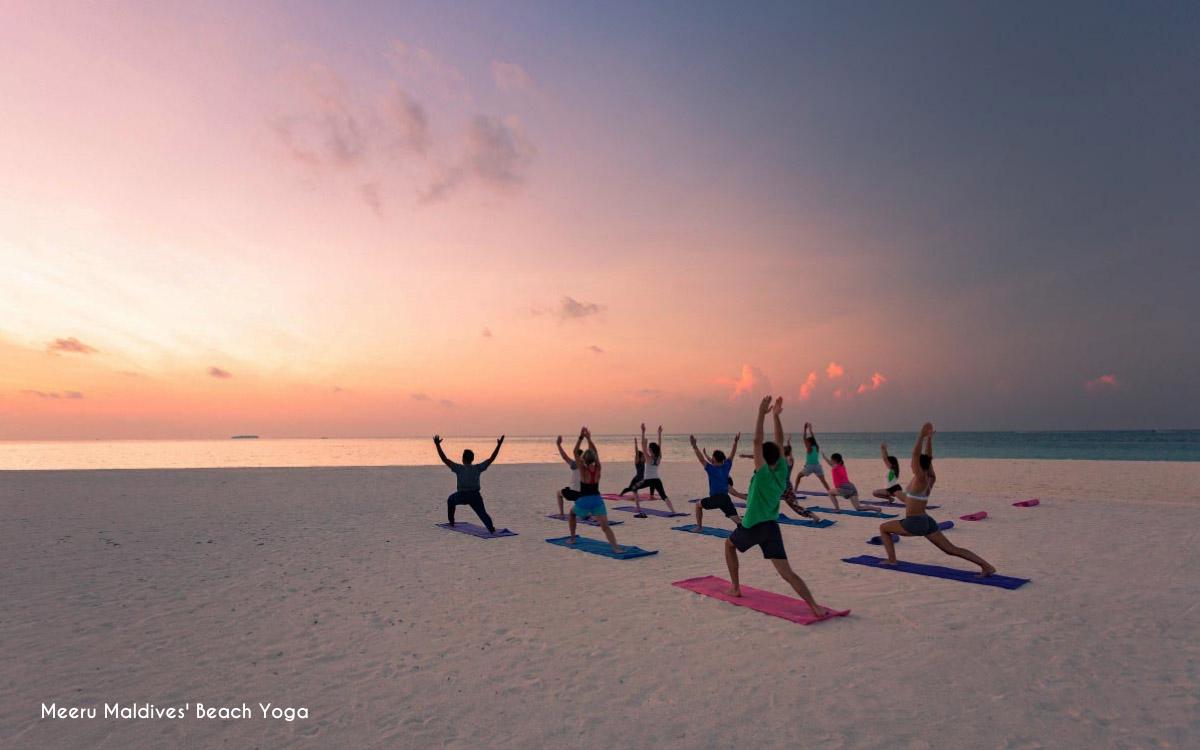 Beach yoga @ Meeru Maldives
