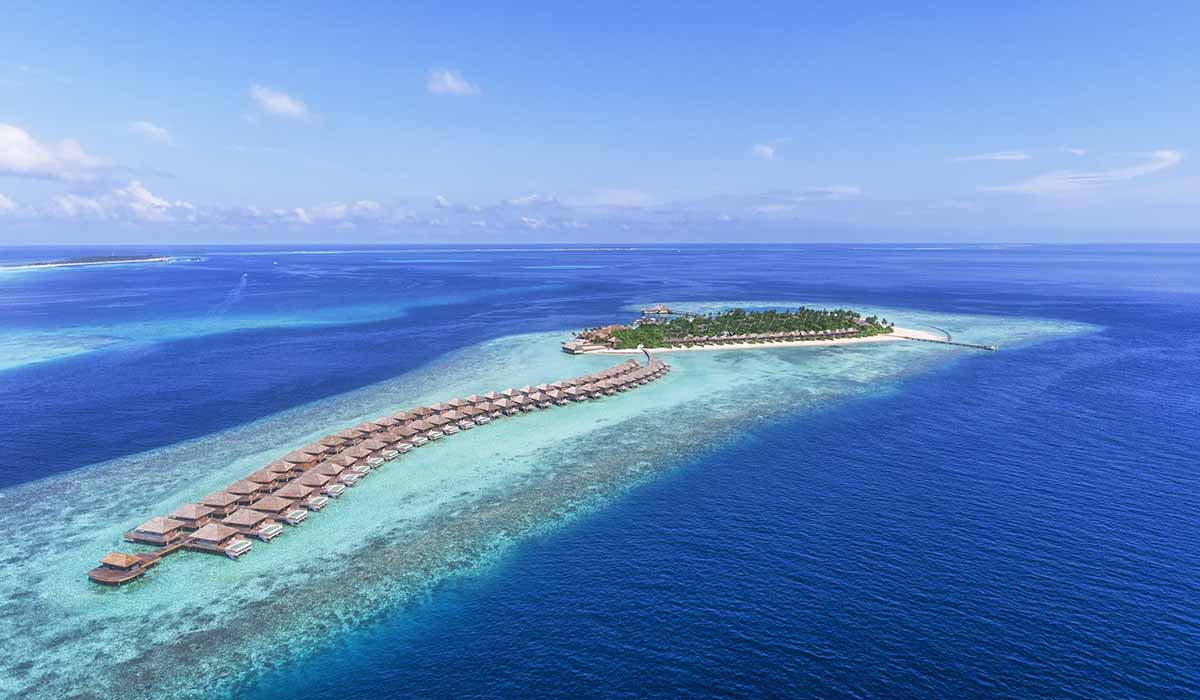 The Maldives' Best Overwater Villas - Crown & Champa Resorts