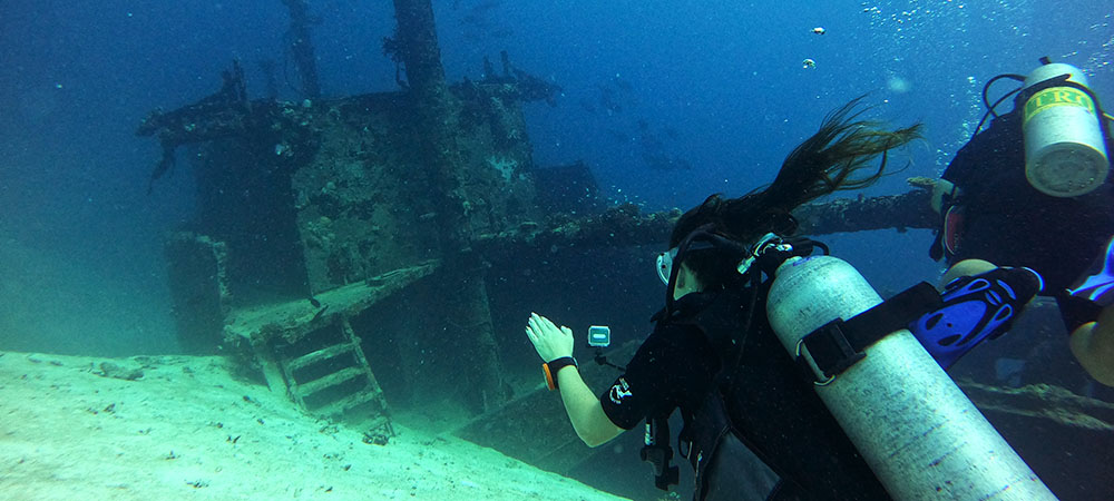 The Maldives Bucket List - Shipwreck Diving with Meeru