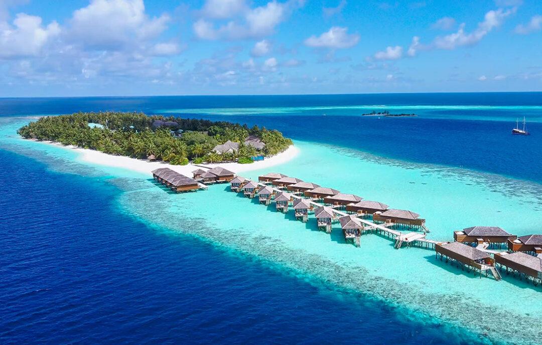 Download the Vilamendhoo Maldives App